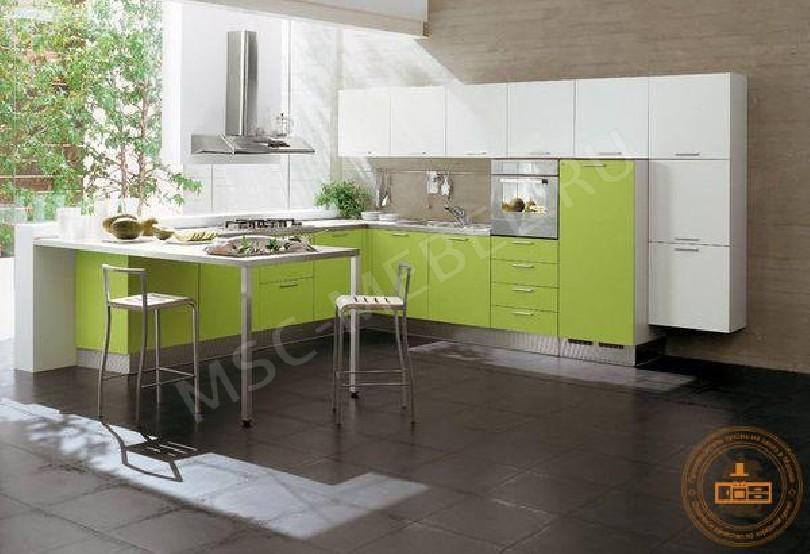 Фото Угловая кухня «Мадонна» бело-зеленого цвета