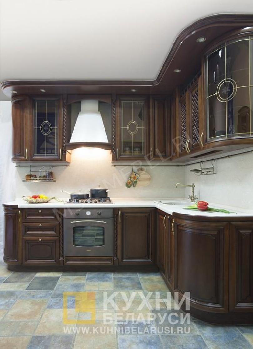 Фото Угловая кухня Чиледжио из массива вишни