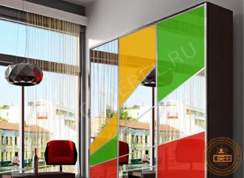 Фото Шкаф-купе «цветное стекло»