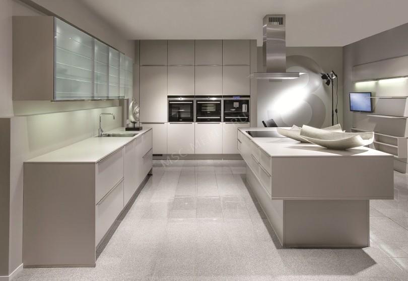 Фото Кухня из пластика «Noblessa»