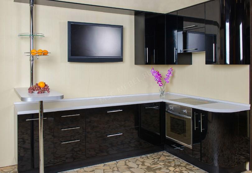 Фото Черный угловой кухонный гарнитур Правды